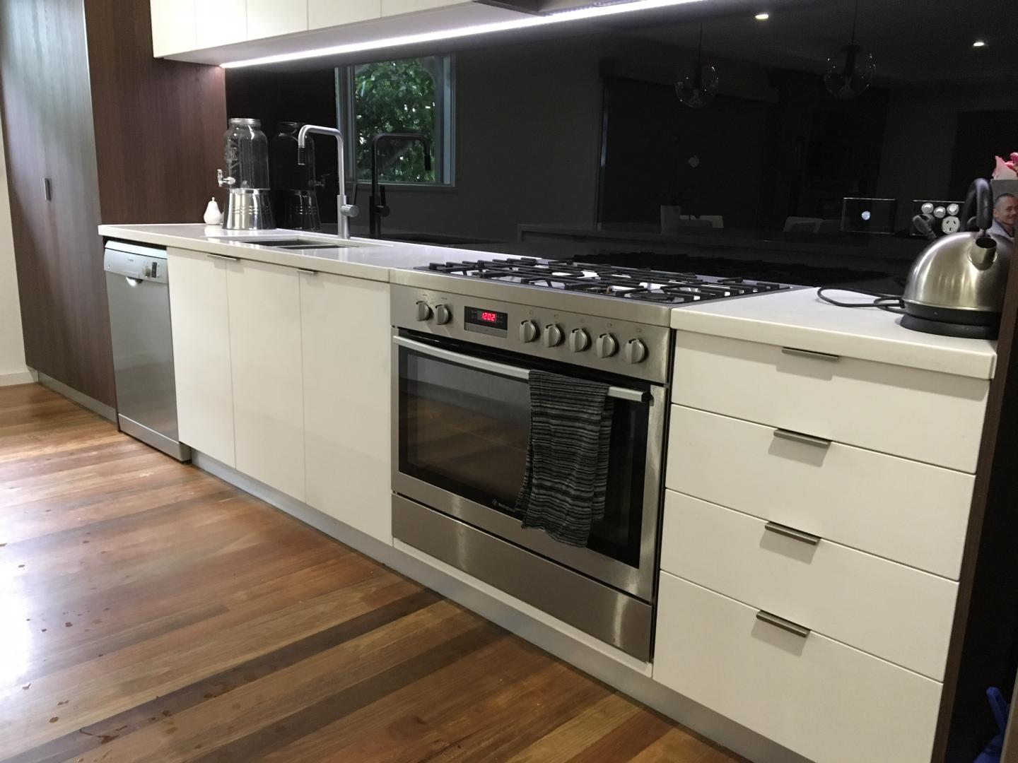 Kitchen cabinet maker melbourne eastern suburbs for Kitchen cabinet makers